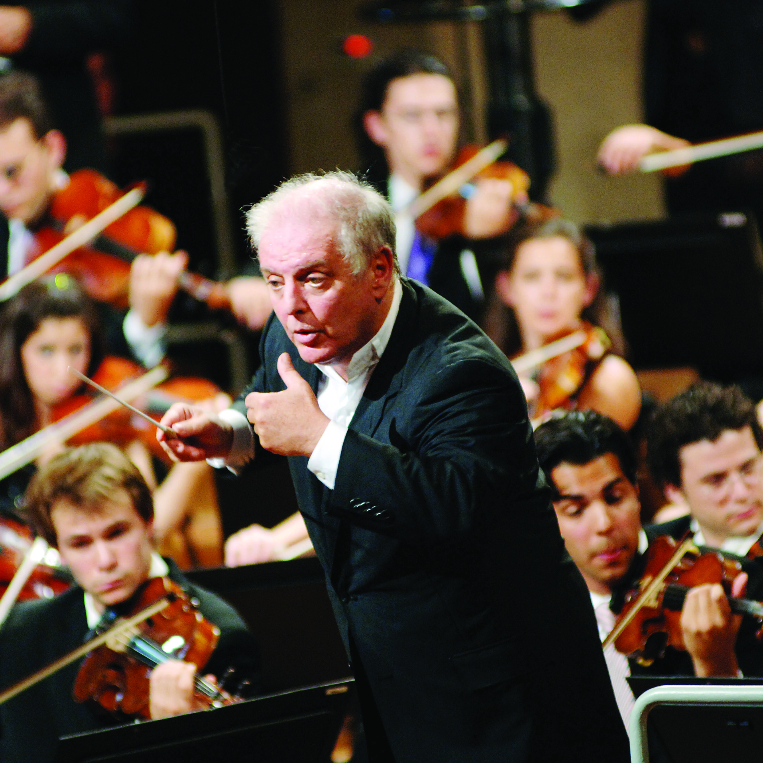 "<font style=""color:#1294d8;""><b>Daniel Barenboim and the West-Eastern Divan Orchestra</b></font>"