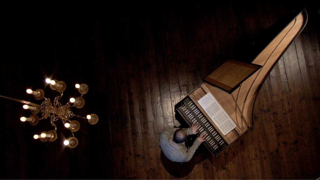 Mahan Esfahani performans Bach's Goldberg Variations for Cal Performances at Home